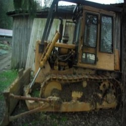 Vendo bulldozer caterpillar d4...