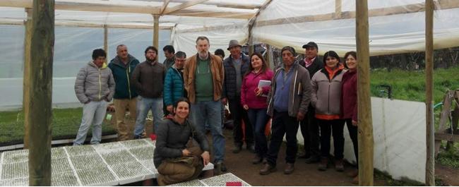 Productores de La Araucanía conocieron avances en tecnologías de producción de hortalizas en la zona central